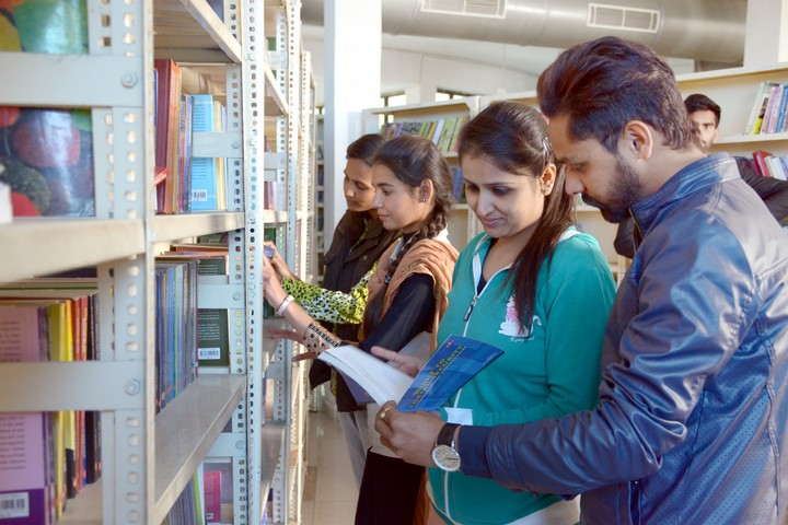 https://cache.careers360.mobi/media/colleges/social-media/media-gallery/993/2019/1/7/Library of Guru Kashi University Talwandi Sabo_Campus-view.jpg